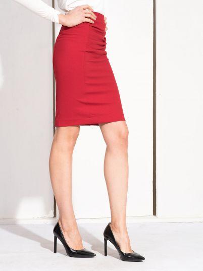 Crvena uska suknja
