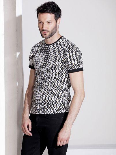 Majica sa geometrijskim printom