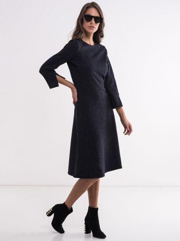 Jenostavna ženska haljina