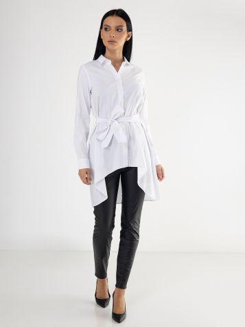 Bela košulja sa pojasom