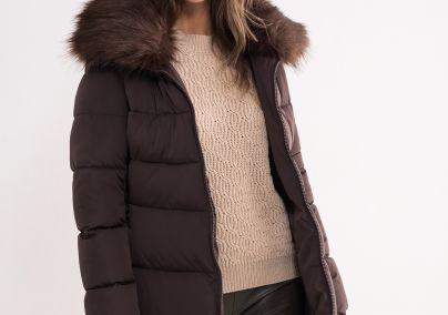 Ženska jakna u boji čokolade