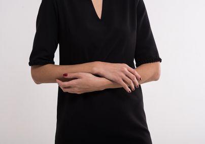 Crna poslovna haljina