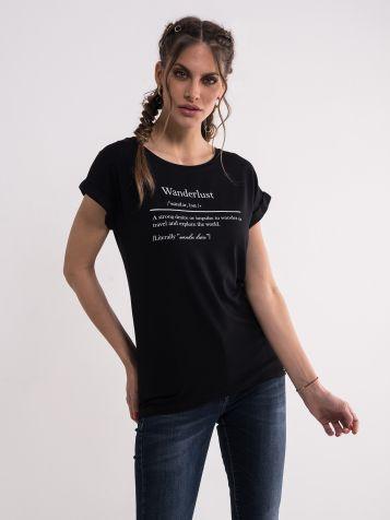 Crna majica sa belim ispisima