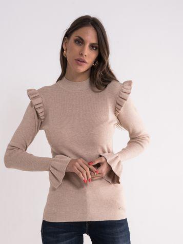 Bež džemper sa detaljima na ramenima