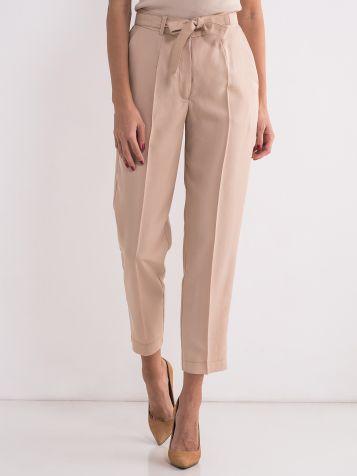 Ženske pantalone sa pojasom
