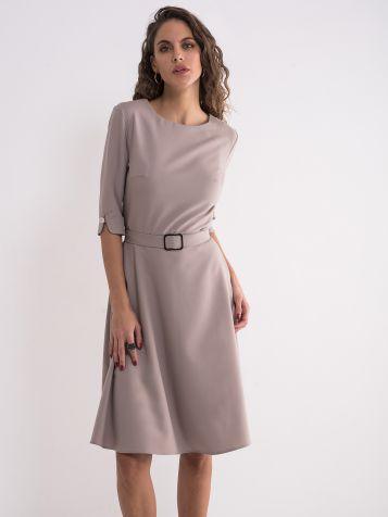 Poslovna jednostavna haljina