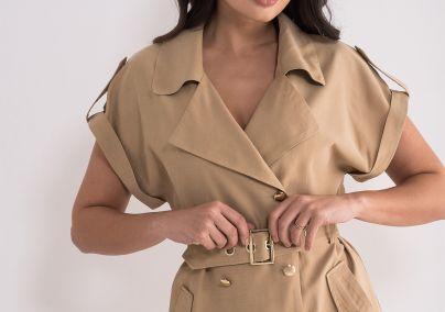 Haljina sa zlatnim detaljima
