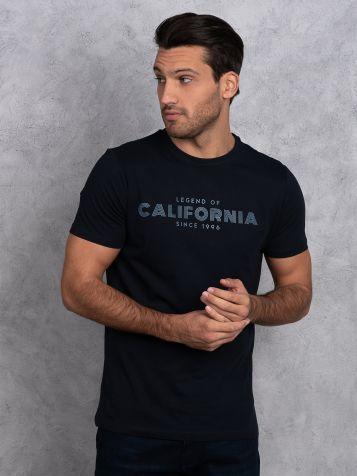 Teget majica sa natpisom