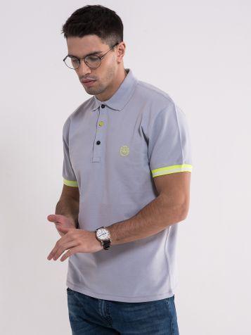 Svetlo siva majica sa kragnom