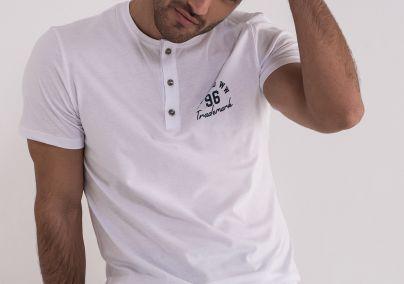 Bela majica sa dugmićima