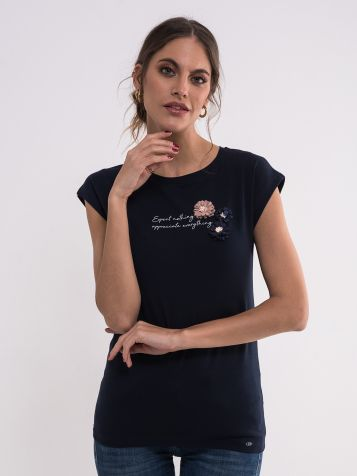 Teget majica sa cvetovima