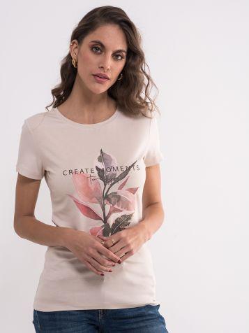 Bež majica sa floralnim motivima