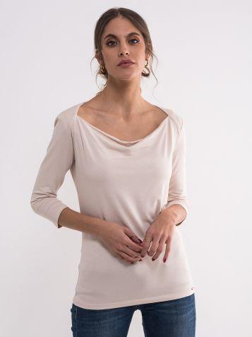 Elegantna bež majica