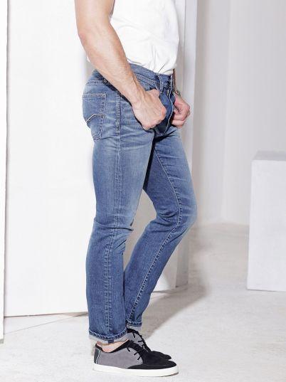 Model 108 jeans