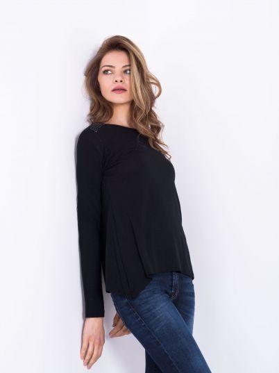 Crna majica sa dugim rukavima